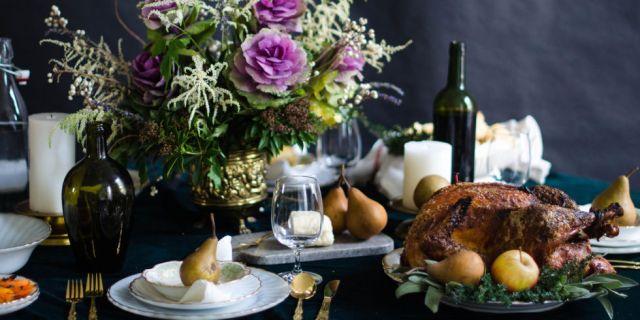 landscape-thanksgiving-table-decor-rose-ivy-1